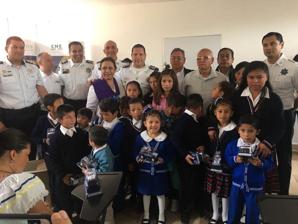 Inauguración de escuela comunitaria en el Estado de México