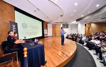 Explicación a los presentes acerca de la seguridad cibernetica