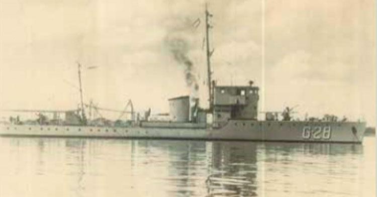 Unidad de Superficie de la Armada de México a flote