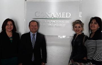 Personas integrantes de la Superintendencia de Salud de Chile.