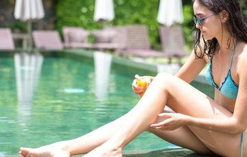 Disfruta de tus vacaciones cuidándote del sol.