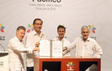 Los Jefes de Estado de la Alianza del Pacífico, firman la declaración de Puerto Vallarta