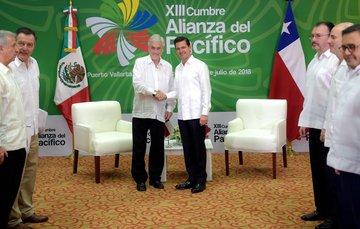 El Canciller Luis Videgarayacompañó al Presidente Enrique Peña Nieto, en el Encuentro Bilateral que sostuvo con el Presidente de Chile