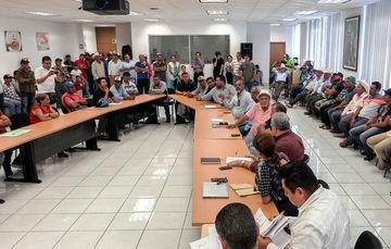 Atienden autoridades de CONAPESCA a pescadores sinaloenses que solicitan apoyos diversos
