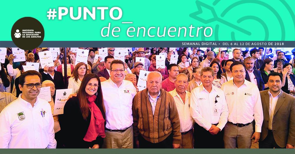Entrega de constancias a educandos de 60 municipios de Tlaxcala