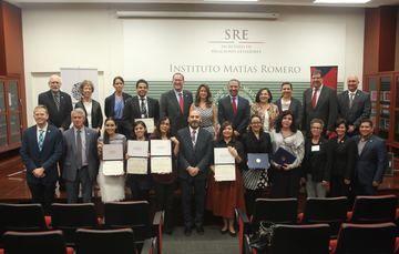 """Ceremonia diplomado en línea """"Derecho estadounidense con especialización en derecho migratorio y penal"""""""
