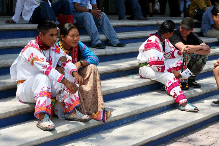 Jóvenes indígenas