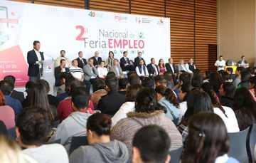 El Secretario del Trabajo, Roberto Campa Cifrián en el presídium durante la Segunda Feria Nacional para Jóvenes 2018 en Michoacán