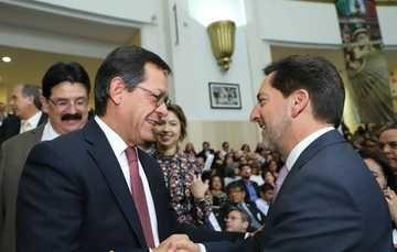 El Premio Mayor de 15 millones de pesos correspondió al billete No. 58427; el segundo premio de un millón 200 mil pesos, correspondió al billete No. 45334
