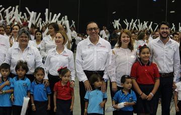 El director general del Conafe, Enrique Torres Rivera, encabezó la ceremonia de arranque del ciclo escolar 2018-2019, acompañado por Mariana Gómez de García, presidenta del Sistema Estatal DIF.