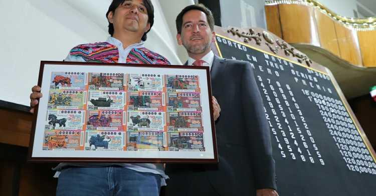 La Lotería Nacional para la Asistencia Pública (LOTENAL) dedicó su Sorteo Mayor No. 3680 a la trayectoria artística del artista Fernando Andriacci