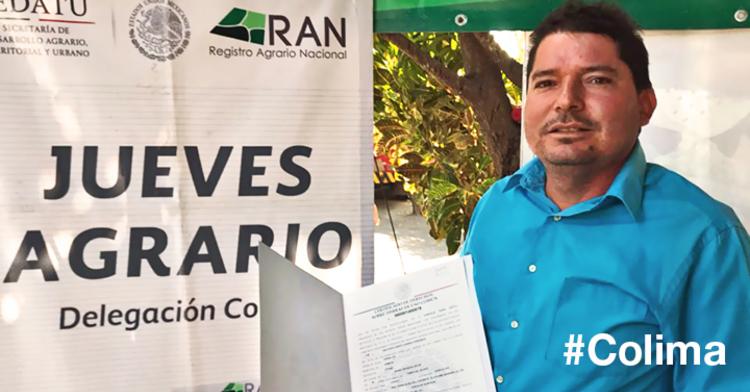 Servidor Público del RAN Hidalgo  atiende a ejidatario.