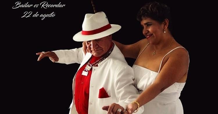 Postal de Bailar es Recordar con una pareja de baile de adultos mayores