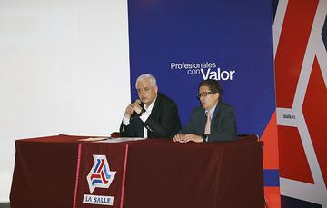 Palabras de inauguración del seminario por parte del Vocal Ejecutivo del FOVISSSTE, el Dr. Luis Antonio Godina Herrera.
