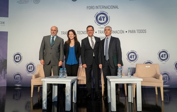 Roberto Campa titular de la STPS; Mónica Aspe Bernal, Representante Permanente OCDE; Enrique Cabrero Mendoza Director General del CONACYT y Sergio López Ayllón Director General del CIDE.