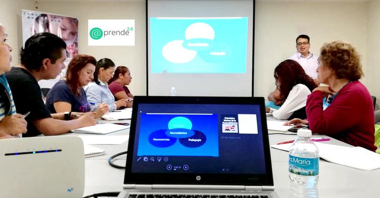 Verano de docentes de Fundación Telefónica y @prende.mx