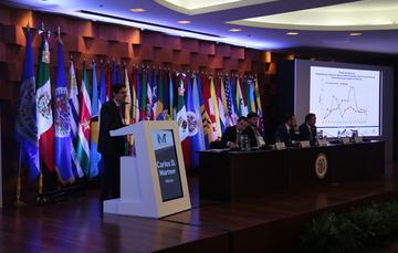 Foto del Dr. Carlos Martner Peyrelongue en el foro