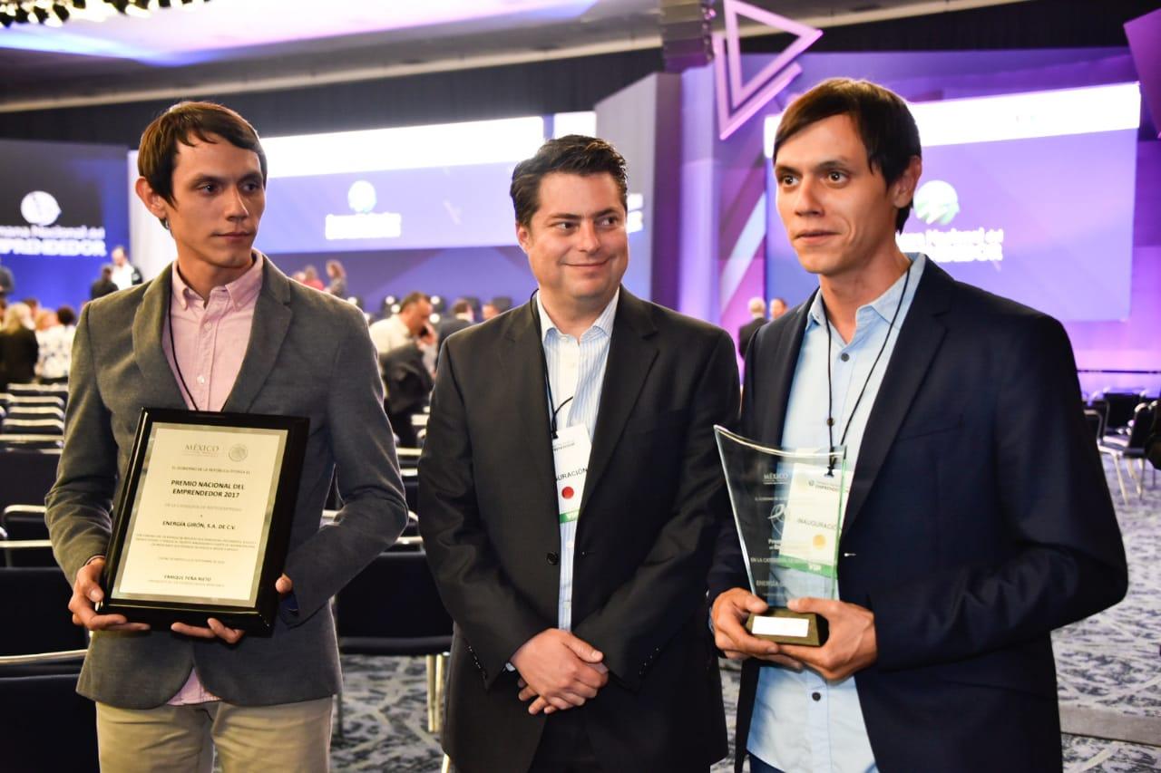 Enrique Martínez y Morales con Eduardo y Edmundo Girón