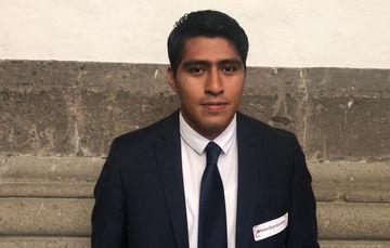 """Martín Cecilio Ovando Hernández, egresado del Tecnológico Nacional de México campus Tuxtla Gutiérrez, obtuvo el segundo lugar en el """"Premio Santander 2018"""" ."""