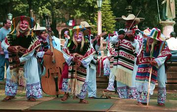 Danzas purépechas de Michoacán: Viejitos y Kúrpites