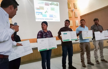 Representantes de las unidades certificadas en BUMA