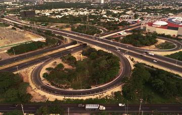 La modernización del Periférico de la Ciudad de Mérida Distribuidor Vial Salida a Progreso, reduce en 10 minutos el tiempo de recorrido
