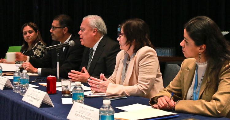 El Comisionado Mario Aguilar agradeció el interés de los participantes por aceptar la convocatoria de asistir a México y destacó la importancia de que los países latinoamericanos permanezcan unidos.