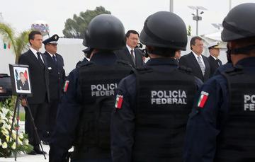 El Presidente Enrique Peña Nieto encabeza homenaje a policías federales caídos en cumplimiento del deber durante labores de apoyo a La Pintada, Guerrero.