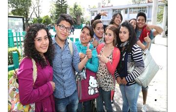 alumnos del Colegio de Bachilleres
