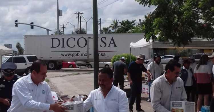 Trabajadores de Diconsa La Paz apoyan a damnificados de Sinaloa