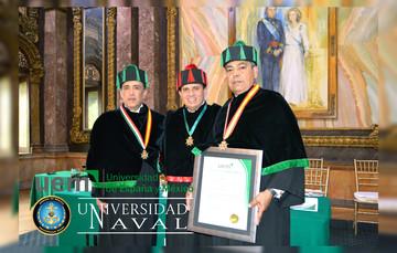 Rector de la Universidad Naval envestido como Doctor Honoris Causa por parte de la Universidad de España y México