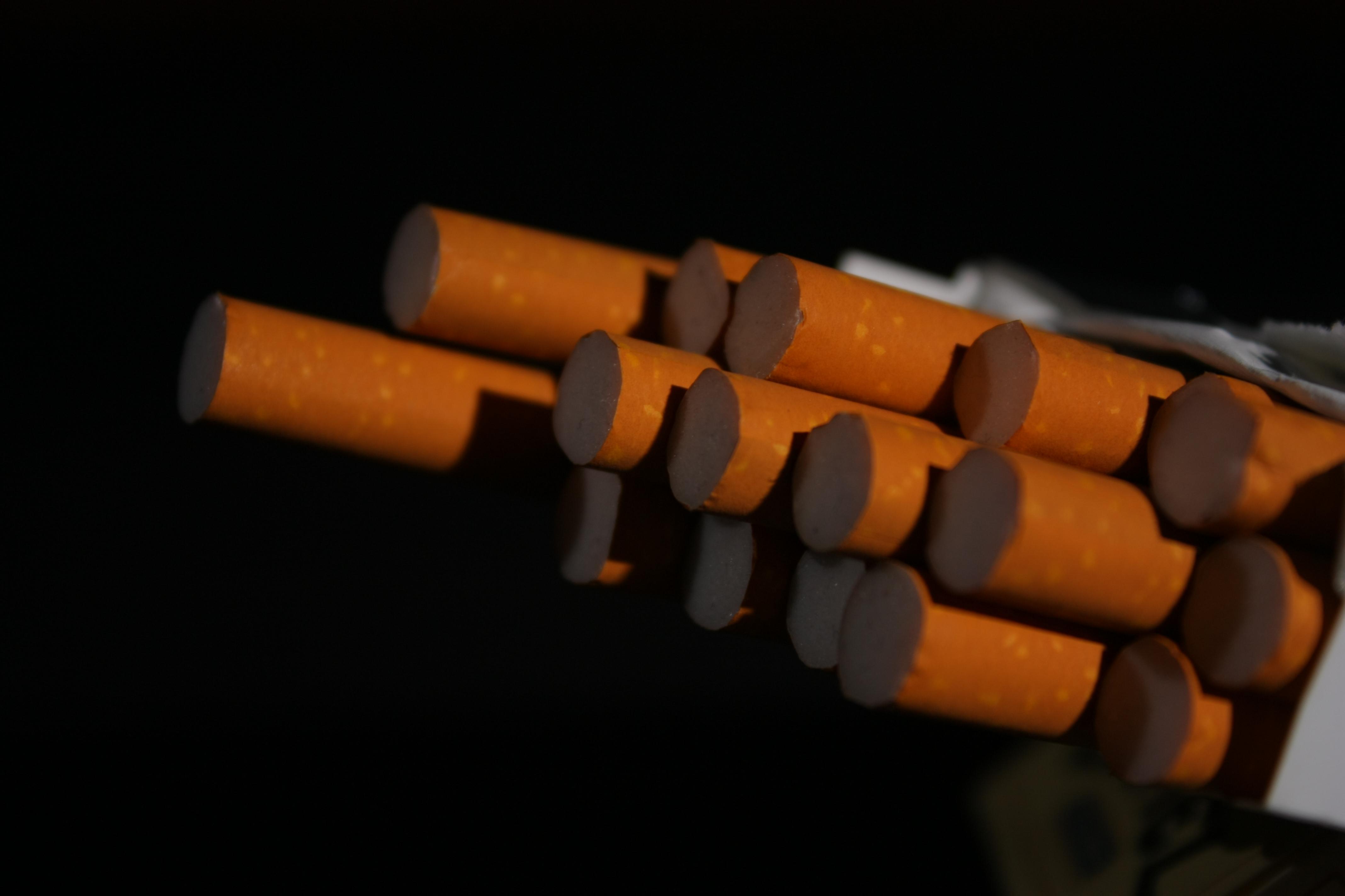 Cigarros en una cajetilla