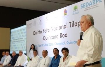 El Comisionado apuntó que mientras la producción acuícola crece en el mundo a un ritmo del 6 por ciento, en México registró un crecimiento de 13 por ciento, lo que se considera uno de los éxitos más importantes en el sector primario