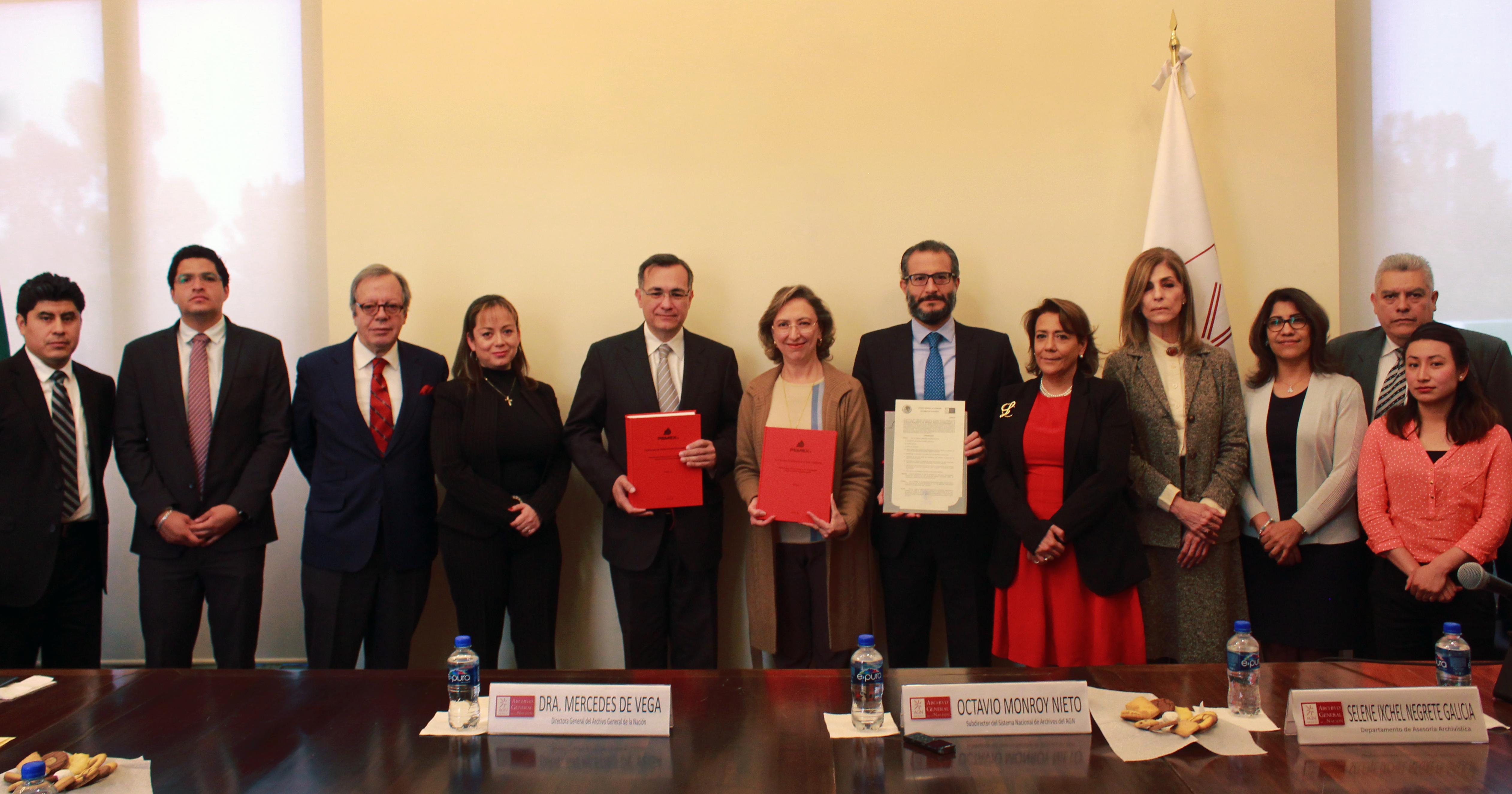 Autoridades del AGN y de Pemex