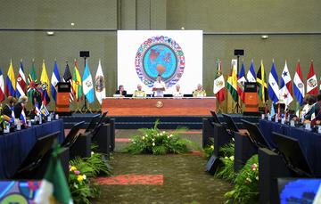"""""""Celebro la determinación de los 34 países que integran esta instancia de diálogo para continuar avanzando juntos hacia una nueva etapa de colaboración"""": EPN"""