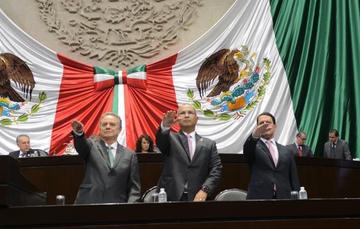Secretario de Energía, Pedro Joaquin Coldwell, en compañía de los Directores Generales Pemex, Carlos Treviño y de la CFE, Jaime Hernández.
