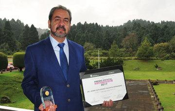 El doctor Palacios fue reconocido en el área de Ingeniería y Tecnología por su trayectoria y liderazgo en la ingeniería nuclear.