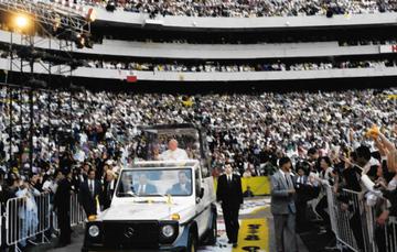 Visita del Papa en el estadio Azteca
