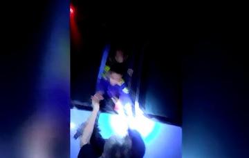 Rescate en autobús de servicio público por parte de policías federales