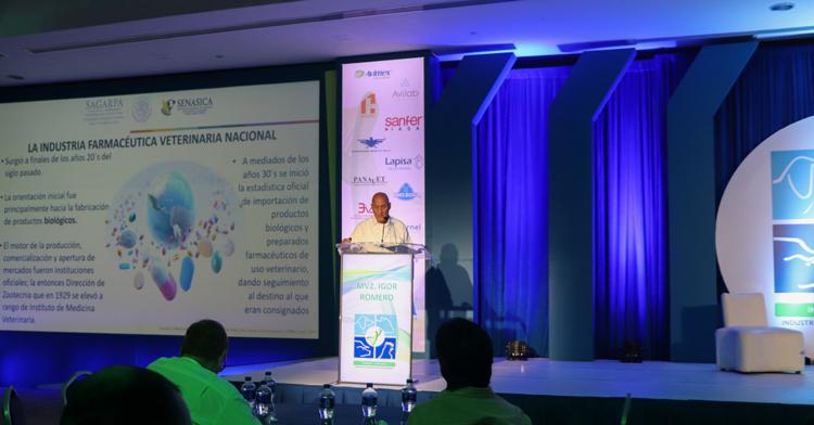 Director general de la Productora Nacional de Biológicos Veterinarios (PRONABIVE), Igor Romero Sosa