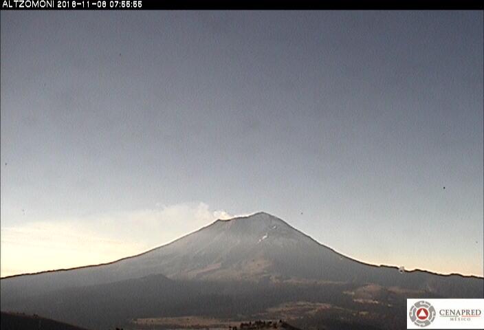 En las últimas 24 horas, por medio de los sistemas de monitoreo del volcán Popocatépetl, se identificaron 217 exhalaciones y cuatro sismos volcanotectónicos.