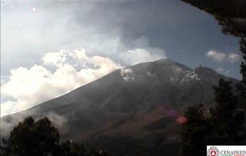 En las últimas 24 horas, por medio de los sistemas de monitoreo del volcán Popocatépetl, se identificaron 166 exhalaciones acompañadas de vapor de agua, gas y ligeras cantidades de ceniza.