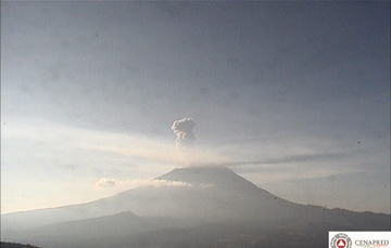 En las últimas 24 horas, por medio de los sistemas de monitoreo del volcán Popocatépetl, se identificaron 163 exhalaciones acompañadas de vapor de agua, gas y ligeras cantidades de ceniza.