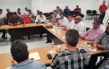 Reunion con camaronicultores de Sinaloa