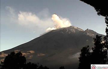 En las últimas 24 horas, por medio de los sistemas de monitoreo del volcán Popocatépetl, se identificaron 162 exhalaciones acompañadas de vapor de agua, gas y ligeras cantidades de ceniza.