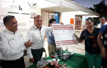 ENTREGAN TARJETAS DE DOTACIÓN A BENEFICIARIOS DE CABO SAN LUCAS
