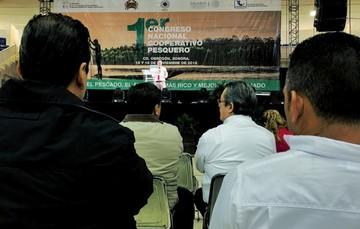 Dr. Pablo Arenas durante su ponencia
