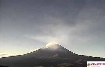 En las últimas 24 horas, por medio de los sistemas de monitoreo del volcán Popocatépetl, se identificaron 65 exhalaciones de baja intensidad.