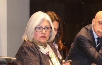 La Secretaria de Economía, Graciela  Márquez Colín en reunión.