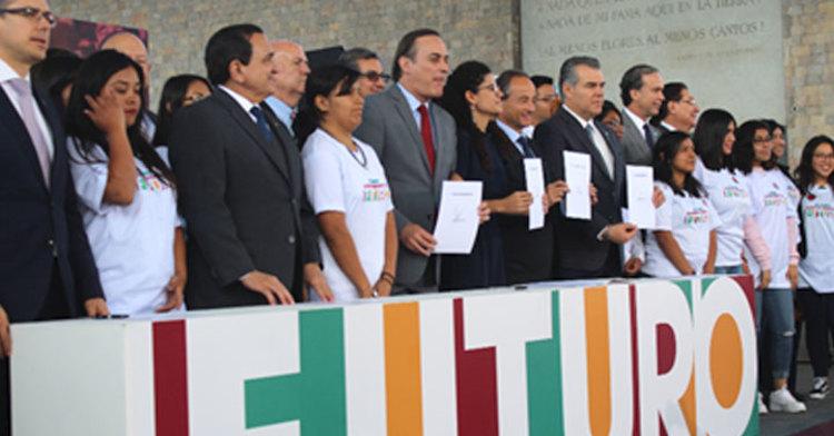 Luisa María Alcalde Luján, Secretaria del Trabajo y Previsión Social y empresarios, funcionarios públicos y sociedad civil